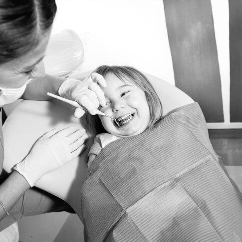 Francesca-Ferrati-wedding-photographer-Verona-interior-studio-dentistico4